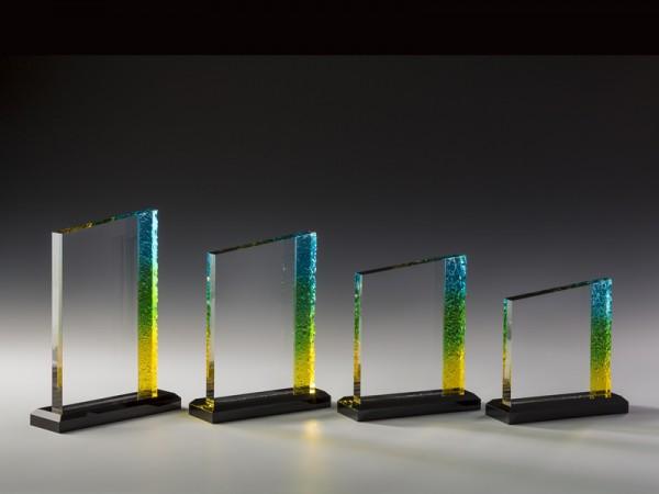 "Acrylglas Trophäe ""Rainbow"", 4 Größen, 18mm Stärke"