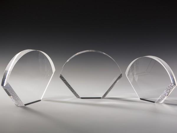 "Acrylglas Trophäe ""Half Moon"", 3 Größen, 18mm Stärke"